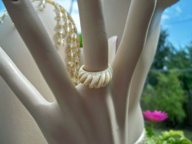 Vintage 1930's Ivory Golden Swirled Pattern Celluloid Ladies Ring