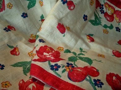 Vintage 1950s Fruit Floral Linen Fabric Mint Roses Tulips Apples Pears For Tea  Towels Table Runners