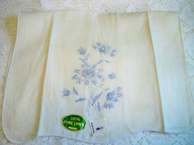 Vintage Linen Floral Daisy Towel for Embroidery Needlework Mint with Tags
