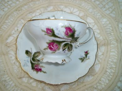 Vintage Occupied Japan Roses Teacup and Saucer Ohata China