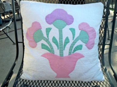 Antique / Vintage Tulip Floral Quilt Pillow Hand Quilted